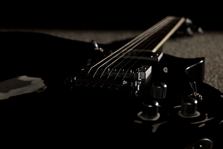 My second passion... Low Key Photography Low Key The Week On EyeEm Arts Culture And Entertainment Electric Guitar Eye4photography  Guitar Music Musical Instrument Musical Instrument String Rock Music