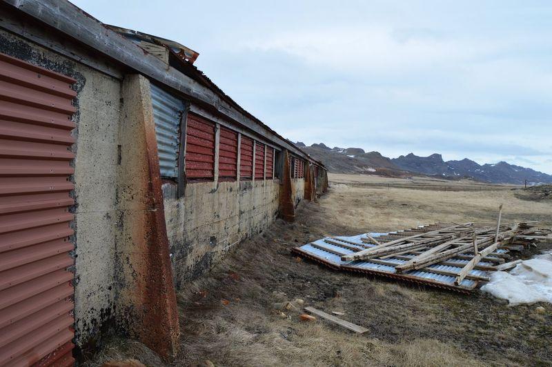 Abandoned Buildings Abandoned Derelict Diagonal Lines Wall Shutter Nikon D3200