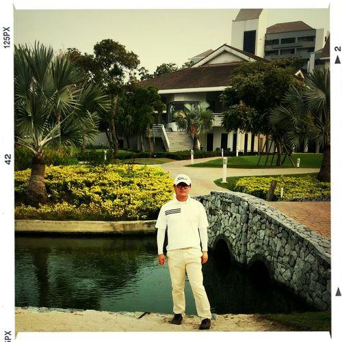 방콕 로얄잼스 골프 클럽.. 라운딩 종료 후 한 컷. ㅋㅋ Golfing Being Tiger Woods Holidays Bangkok Thailand.