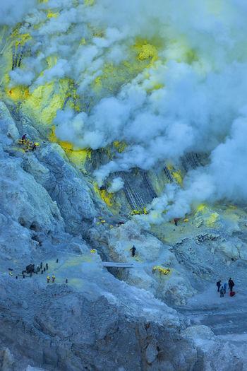 People at sulphur mining