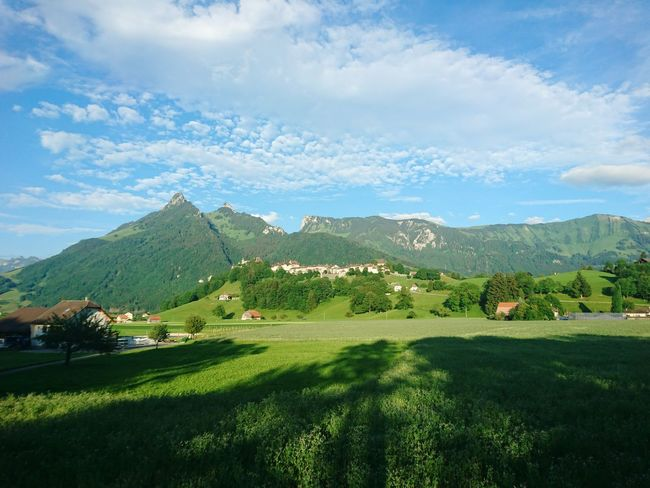 Mountain Landscape Mountain Range Castel Switzerlandpictures HJB Mobil Sony Xperia Z5 Compact Kanton Fribourg Gruyere Cheeselovers Valley Scenics Agriculture Outdoors Cloud - Sky Tourism Nature Travel Destinations Tourist Attraction  Tourist Destination Beauty In Nature Travel