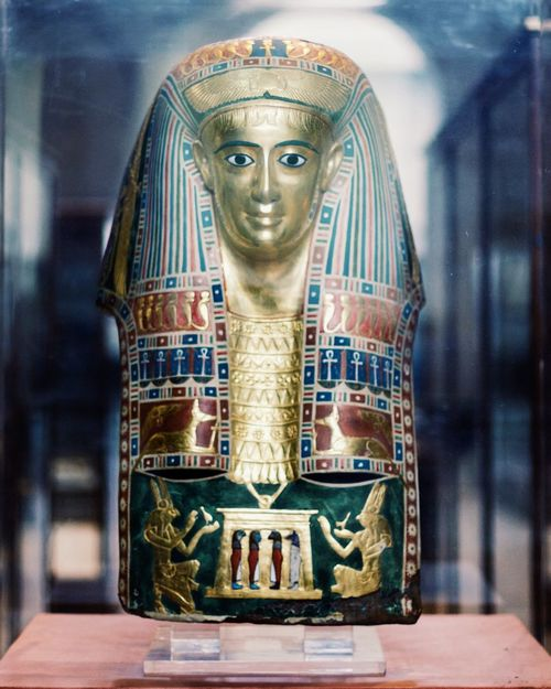 Queen King King Tut Golden Mask History HEAD Old Face Egyptian Museum Pharaohs Pharahos Statue Historical Statue Historic Pharaoh Human Representation Egyptian Egypt Shadow Golden Mask Portrait Anciant