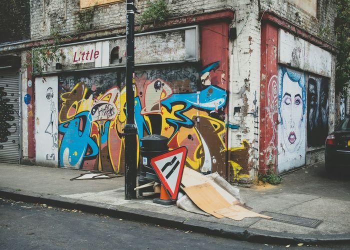 Check This Out Wallart Graffiti Graffitiporn London Abandoned & Derelict Derelict Street Derelict EyeEm_abandonment Streetphotography