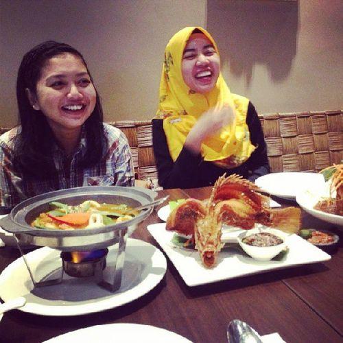 Amboi sukenyee @zekzakaria Iftar Dancingfish Girlfriend