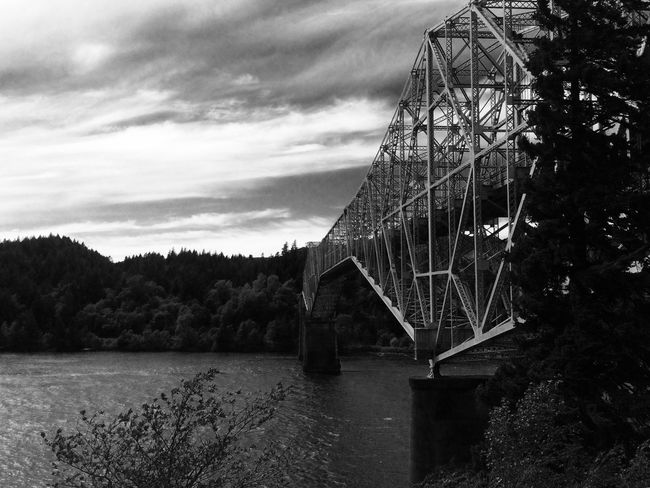 Blackandwhite Bridge Bridge Of The Gods Noir Perspective Columbia River Gorge Amazing View Beautiful Impressive Perspective Eye4photography