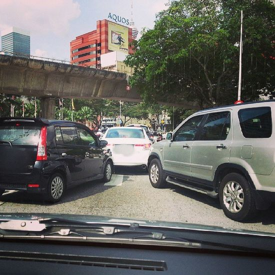 Malaysia Driver Stubborn Not follow rules driving traffic jam cars