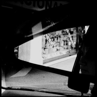 Subliminal. #Hipstamatic #Watts #US1776 #CadetBlueGel Bw Blancoynegro Espejo Mextagram Bn Rearview Us1776 Cadetbluegel Watts Igersmexico Retrovisor Hipstamatic Mirror