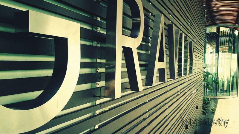 De day shot.... Relaxing EyeEm Best Shots Take Photos EyeEm Best Edits Effect Greenday Bar Area Realax :)