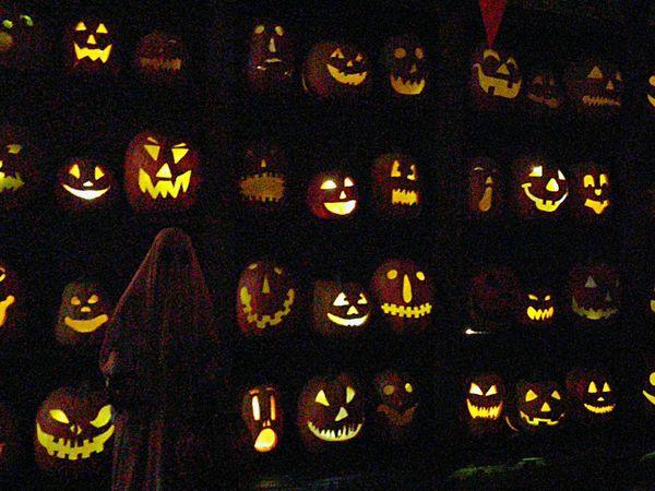 Night Illuminated Halloween Pumpkins Halloween Decorations Halloween Jack O Lantern Jackolanterns Jack O Latern Haunted House Scary Lights Faces Pumpkin
