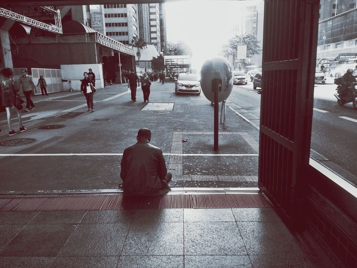 O sofrimento é sempre mais difícil de suportar quando o carregamos em silêncio e solidão. Life Reflexão  Sentimento Sofrimento Medo Ansiedade Emocao Neurose Esperança Foco Fé Resiliencia Mantenhasuapaz Empatía  Superação Reflexão  Pensamento Minutodesabedoria Dificuldade Pararefletir The Street Photographer - 2018 EyeEm Awards Desigualdadesocial The Photojournalist - 2018 EyeEm Awards City Men Architecture Sky