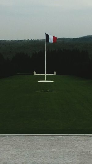 Introduction: My trip to Verdun 1916 1/3 Trip Verdun World War 1 Memorial France Enjoying The View French Flag