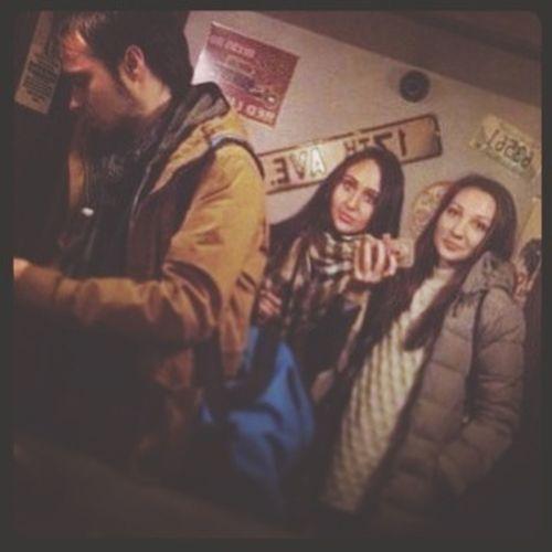 в пятницу решили сходить в бар)))