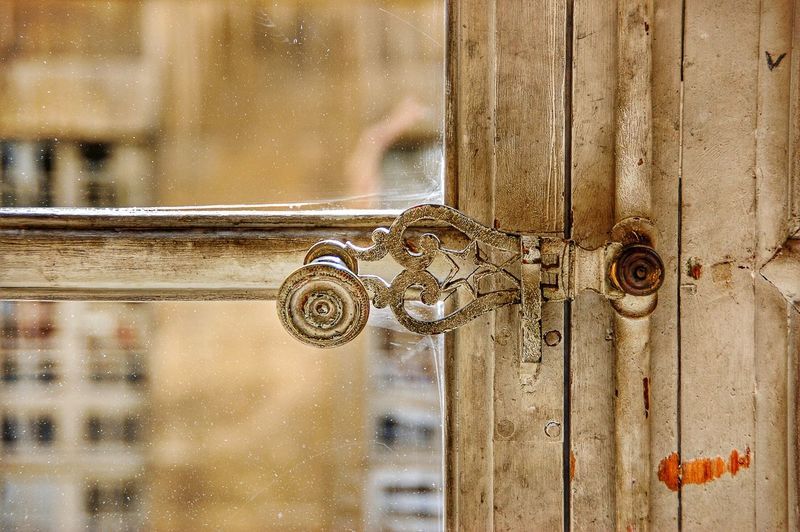Vintage window details at Palaces Versailles, France Vintage Windows Looking Out Of The Window Window Lifestyles Lifestyle Vintage Photography Handle Decoration Decor Style Beige White Old Old-fashioned Details