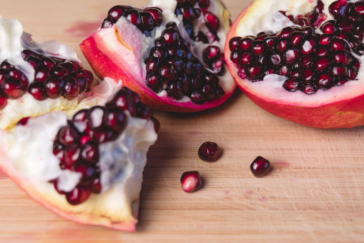 Close-up Day Food Food And Drink Freshness Fruit Healthy Eating Indoors  No People Pomegranate Pomegranate Seed Ready-to-eat Seed Table