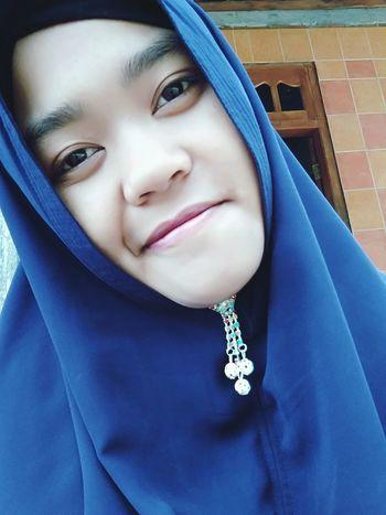 i love you hijabers 😍😘 Conto Jawa Tengah Wonogiri INDONESIA Young Women Headwear Beautiful Woman Portrait Beauty Glamour Luxury Blue Fashion Headshot Hijab