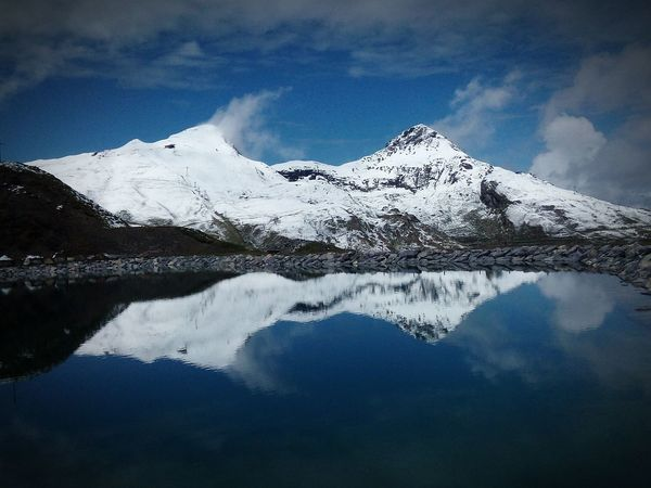 Reflection Mountain Lake Water Nature Scenics Tranquil Scene Mountain Range Snow Beauty In Nature Tranquility Outdoors No People Winter Day Cloud - Sky Sky Cold Temperature Landscape Alpes Alpessuisses Suissealps Switzerland Switzerland Alps Switzerland_vacations The Great Outdoors - 2018 EyeEm Awards