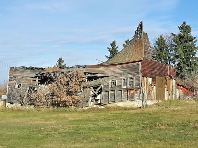 Spruce Grove, Alberta Rural Scene EyeEm Selects Fall_collection Old Building  Collapsing Building Architecture Built Structure Day Building Exterior Grass No People Sky Outdoors