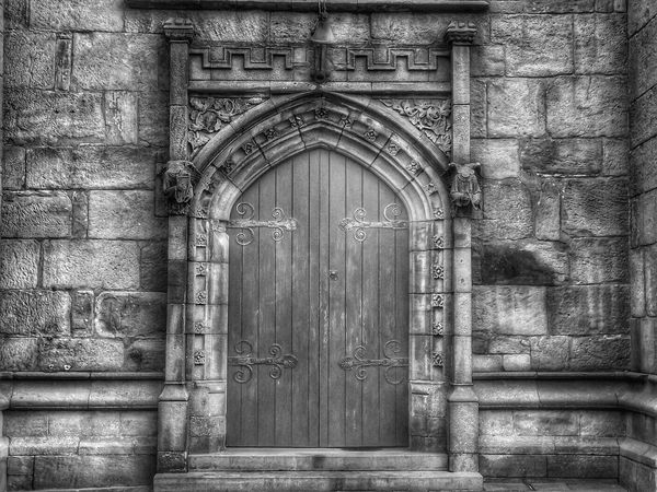 This is an Old Church door I saw in Manchester Church Architecture Church Door Old Door Blavk And White Black And White Photography Black And White Architecture Close Up Photography Malephotographerofthemonth Fujifilm EyeEm Masterclass Hdr_captures Bnw Photography Eyeem Photography EyeEm Best Shots - HDR Black And White Portrait Black And White Pivotal Ideas Doors From The Past Doors Of Distinction