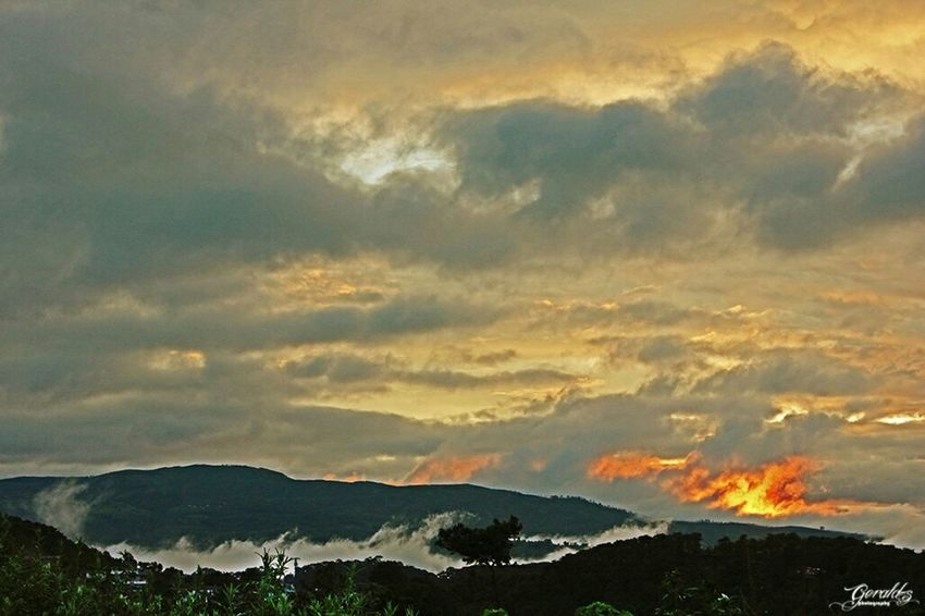 Landscape Sunset HDR taken from behind Polytechnic campus Shillong towards NEHU and shiliang um. Shillong Sunset Sunsets sunset #sun #clouds #skylovers #sky #nature #beautifulinnature #naturalbeauty photography landscape Hdr_Collection