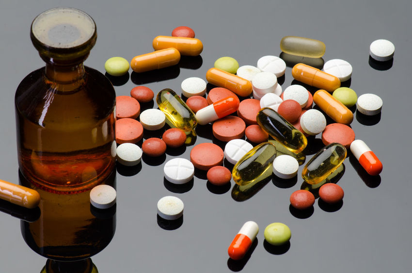 pills Addiction Antibiotic Bottle Capsule Close-up Day Dose Healthcare And Medicine High Angle View Large Group Of Objects Medicine Multi Colored No People Nutritional Supplement PainKiller Pill Prescription Medicine Studio Shot Table Variation Vitamin