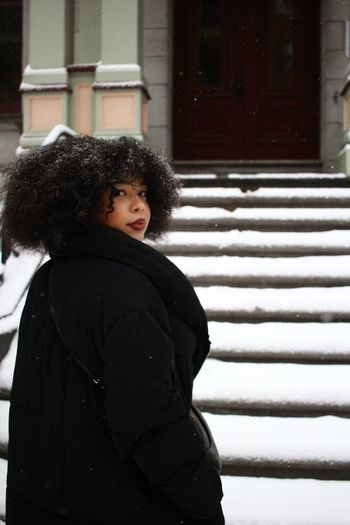 Pretty Prettywoman Woman Woman Portrait Snow Montréal Winter Canada Vacations Politics And Government Thoughtful Pretty Steps And Staircases Pensive Afro Thinking Posing EyeEmNewHere