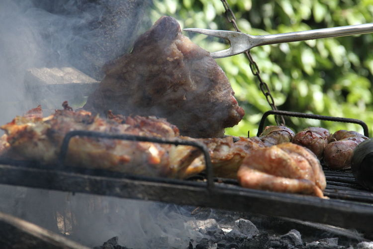 asado argentino Carne Asado Argentino Asado Carne Argentina Parrillada Comida Asada Barbacoa Food Food And Drink Meat Freshness Barbecue Heat - Temperature Preparation  Smoke - Physical Structure Close-up Healthy Eating Day Grilled Barbecue Grill No People Preparing Food Wellbeing Roasted Metal Nature Outdoors Temptation The Foodie - 2019 EyeEm Awards