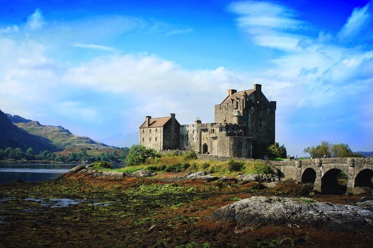 💫 #scotland Alba Gu Brath Architecture Atlantic Ocean Bonnie Scotland Castle Day History Nature Sky Sun Travel