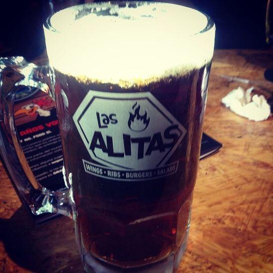 Una Indiana jones bien fría! InDiO Beer Cerveza Alitas Pollo Monterrey Mexico