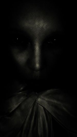 Human Face Self Portrait Alien Life Another Planet Creepy Spooky Evil Horror Women Human Adult Black And White EyeEm EyeEm Best Shots EyeEm Gallery Check This Out Notnormal Portrait Warped  Light Effect Black Background