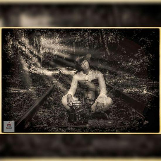 Timetraveler Fantasy Photography Portrait Of A Woman Steampunk Photography Steampunk Portrait Photography Fantasy Blackandwhite Railway