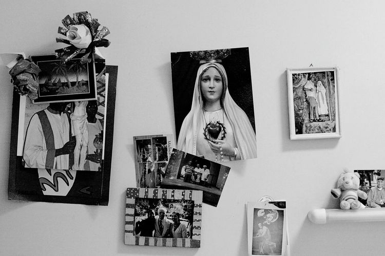 Faithograpy. Faith The Week On EyeEm EyeEmNew Here Saints Religion And Beliefs Religion EyeEm Gallery Black & White Photography BW_photography PortraitPhotography Portraits Loneliness Arounditaly EyeEmNewHere Walking Around Humans Noir Et Blanc Real People Film Noir One Person Cuteness Elderlypeople Elder Mother Mary Mother Black And White Friday Focus On The Story The Still Life Photographer - 2018 EyeEm Awards