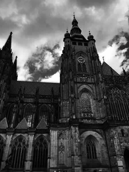 Prague Praha Czech Republic Architecture Place Of Worship Religion Spirituality Building Exterior Built Structure No People Travel Destinations Sky Passionpassport Symmetrykillers Buildinglover Symmetricalmonsters Symmetry Urbanromantix Beautifulmatters Neverstopexploring  Exploretocreate Gothic Gothic Style Cathedral Blackandwhite