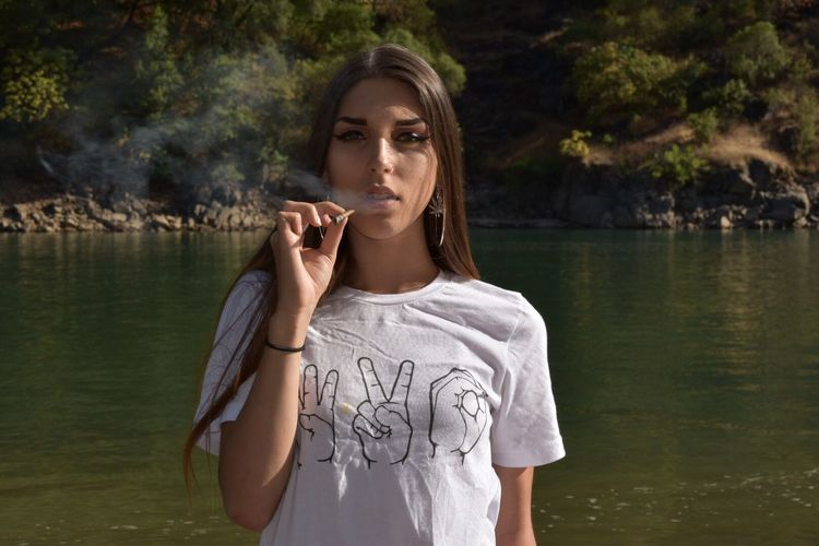 Stonergirl Stoner 420 Lake Waterphotography