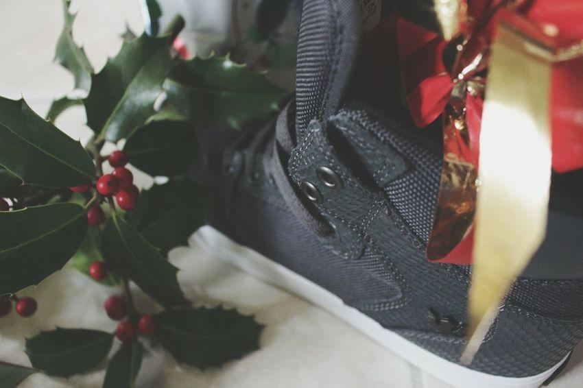 Supra Noël 😎👍 Ile De France Composition Cadeau Shoes Basket Christmas Spirit Chrismas Enjoy Life Supras  YOLO ✌ Christmas Around The World Paris