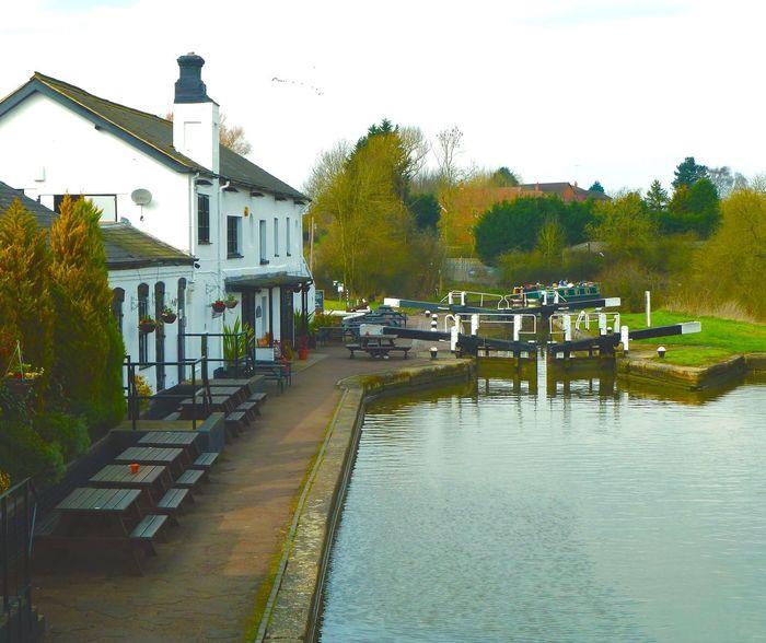Three Locks Pub, Leighton Buzzard Pub English Pub English Countryside Canal Locks Springtime Leighton Buzzard