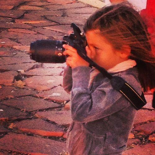 piccoli fotografi crescono (non la comosco ma era talmente bella che non ho resistito a rubare lo scatto) Sardegna Fotografo
