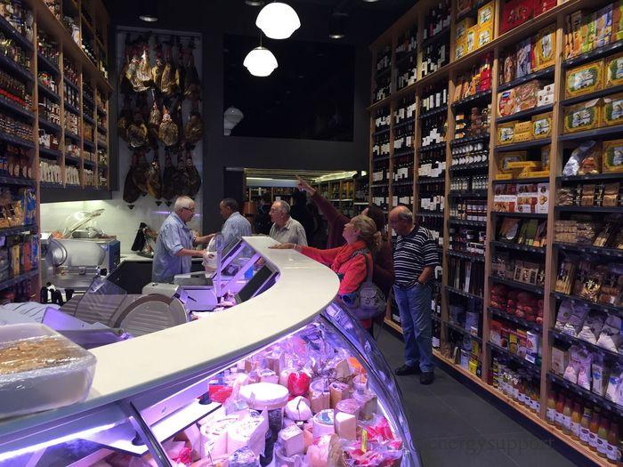ColmadoQuílez Market Gourmandise Gourmet Emblematic Places New Exquisite Tour Tourists EnergySupportBcn #colmadoquilezforever #emblemático #ramblacatalunya #tradición #colmado #dependientes #gourmet #sibaritas #largahistoria Mira las fotos en el enlace: https://www.swarmapp.com/c/k5v60mnTI5B Colmado Quílez Rambla de Catalunya, 65 (Arago), 08007 Barcelona - Catalunya @EnergySupport #Post @energysupportbcn 📷 Photo Credit: #energysupportbcn #Barcelona #Catalonia #Spain