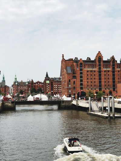 Boat Elbe Hamburg Building Exterior Built Structure Architecture Water Sky City Cloud - Sky River Transportation Residential District Day