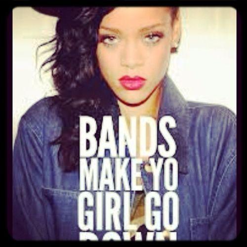 Rihanna pour it up!!