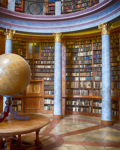 Bücher  Architectural Column Architecture Archives Biblioteca Bibliothek Boks Book Bookshelf Chair Day Education History Indoors  Information Medium Learning Library No People Research Science University Wisdom