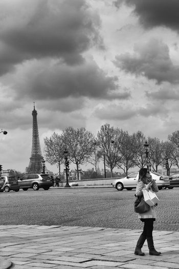 Black And White Blackandwhite France Francia Hermé Laduree Maccarons Parigi Paris Pierre Hermé Tour Eiffel