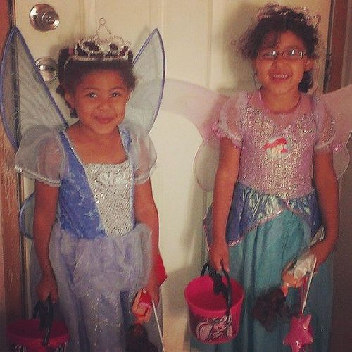 I wonder how many years ayven and sophie are going to request being fairy princesses. Halloween Plzdontgrowuptoofast Kiddos