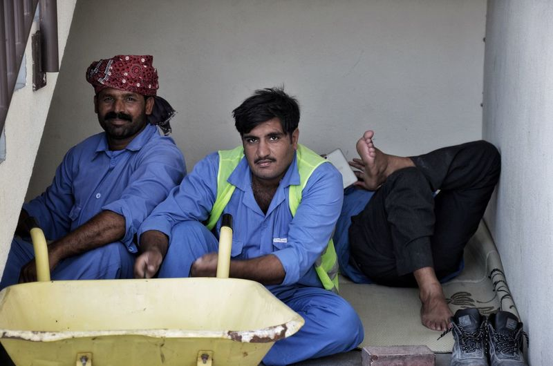 Met these workers in Dubai as they were having a break 🇦🇪👷🏾 Streetphotography Working Working Hard Dubai Men Sitting Break Nap Teamwork Working Travel Travel Photography