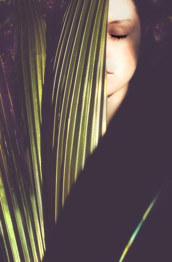 palm leaf girl