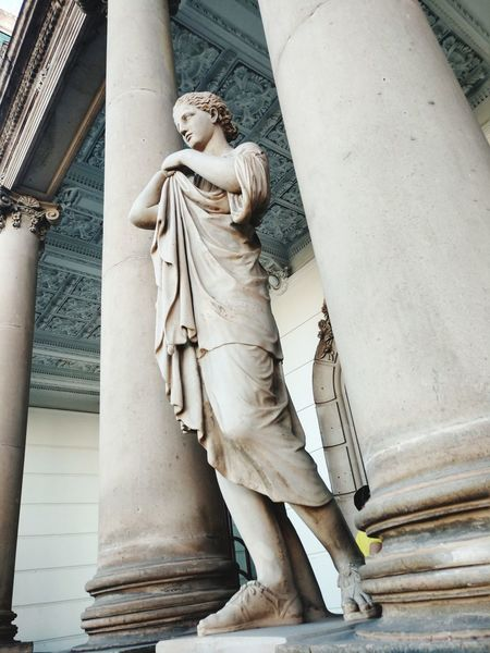 Quinta Gameros EyeEm Selects Sculpture City Statue Architectural Column History Human Representation Male Likeness Architecture Close-up Sky The Traveler - 2018 EyeEm Awards