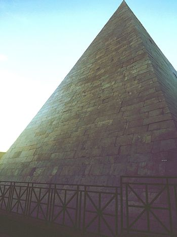 Historical Sights Being A Tourist View Tourists Sightseeing Taking Photos Enjoying Life Rome Rome Italy Piramide