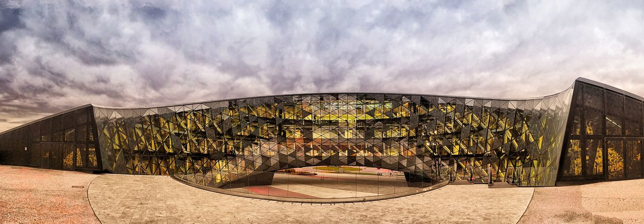 Ideo Orona Sky Outdoors Architecture No People Biulding Clouds And Sky Windows Glass - Material Metallic City,