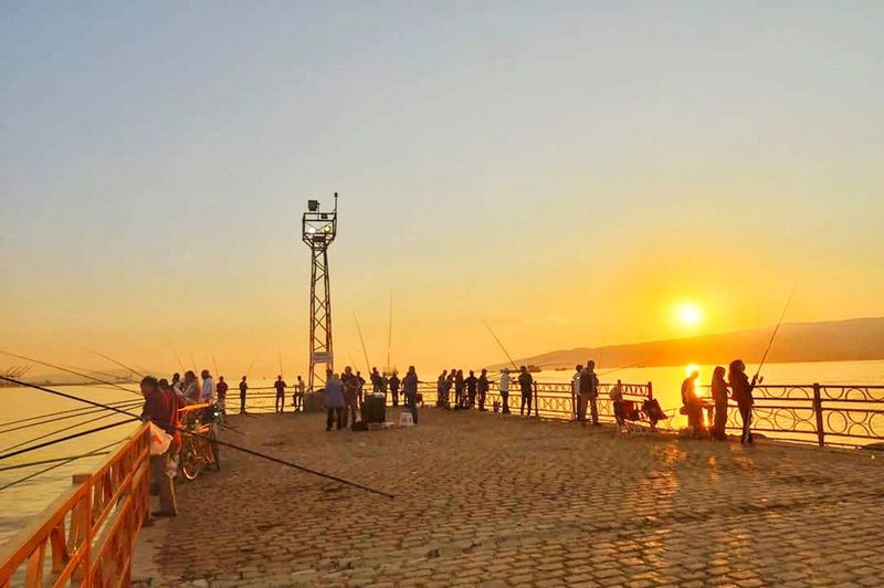 gemlik türkiye Benimkadrajim Gemlik Türknikon Sunset Sky And Clouds EyeEm Best Shots EyeEm Nature Lover Sunset Sky Beach People Adult Men Sea Adults Only Travel Destinations Only Men Lifestyles Large Group Of People Women Outdoors