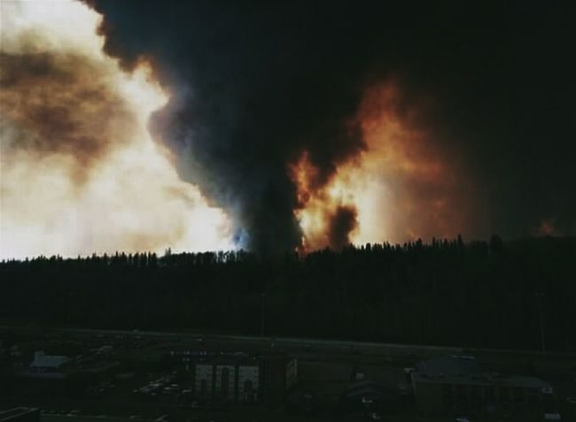 Fort McMurray Pray Fortmcmurray Wildfire Ghost Town Check This Out