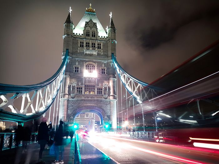 Into the Bridge London Night Illuminated Travel Destinations Bridge - Man Made Structure Architecture City Outdoors Building Exterior Downtown District City Life Business Finance And Industry Architecture Travel Tower Urban Skyline People Urban Nightphotography Night Sky Tower Bridge  Uk Stream Traffic Iconic EyeEm LOST IN London